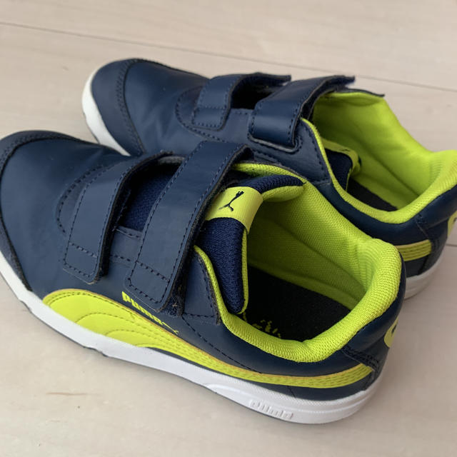 PUMA(プーマ)のプーマ スニーカー キッズ/ベビー/マタニティのキッズ靴/シューズ(15cm~)(スニーカー)の商品写真