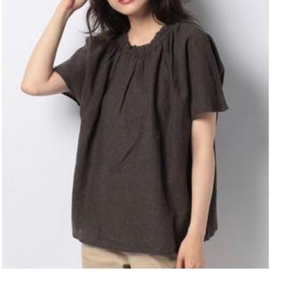 サマンサモスモス(SM2)のリネン混衿シャーリングブラウス(Tシャツ(半袖/袖なし))