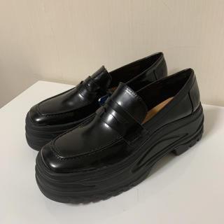 ザラ(ZARA)のZARA マキシソールローファー(ローファー/革靴)