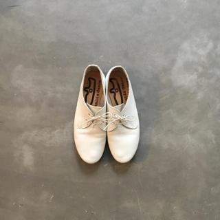 ネストローブ(nest Robe)のramble 革靴 紐履(ローファー/革靴)