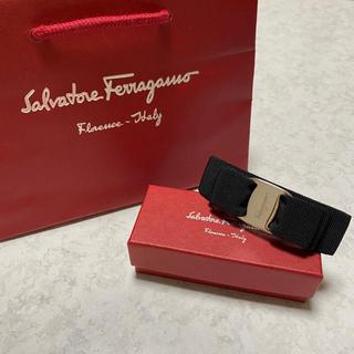 Salvatore Ferragamo - フェラガモ  バレッタ 黒 シルバー