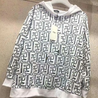 FENDI - №激売れ! FENDI 上質なトップス 長袖Tシャツ スウェット 男女兼用