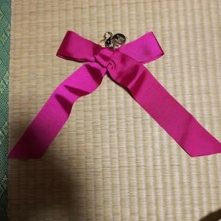 メゾンドフルール(Maison de FLEUR)のmaison de fleur  リボンチャーム ピンク(チャーム)