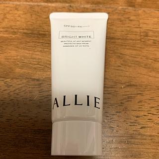ALLIE - アリィー  ニュアンスチェンジUVジェル WT 60g
