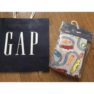 ベビーギャップ(babyGAP)の新品未使用未開封GAP半袖パジャマ上下セットアップHotWheels男の子車90(パジャマ)