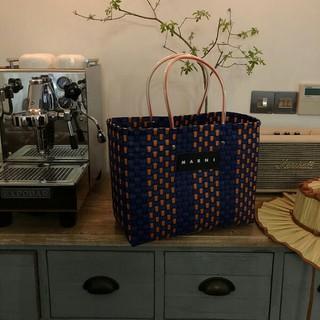 マルニ(Marni)のMARNI マル二 フラワー カフェ ピクニックバッグ トート 新品未使用(トートバッグ)