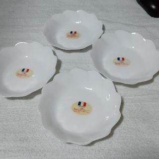 ヤマザキセイパン(山崎製パン)のヤマザキ フラワー型お皿 4枚(食器)