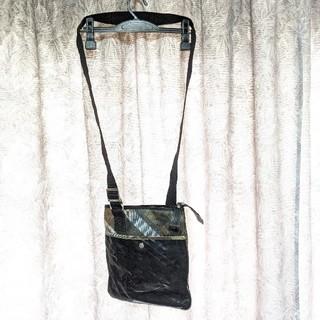 ヴィヴィアンウエストウッド(Vivienne Westwood)のヴィヴィアンウエストウッド斜め掛けレザーバッグ(ショルダーバッグ)
