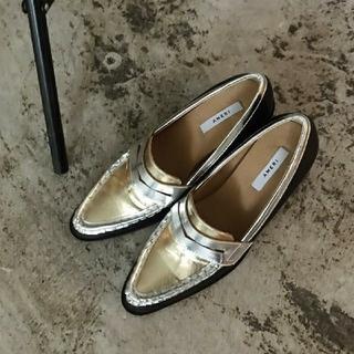 アメリヴィンテージ(Ameri VINTAGE)の【新品】AMERI アメリ / POINTED COIN LOAFER(ローファー/革靴)