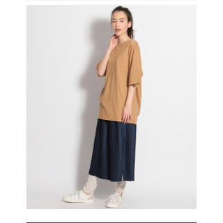 ニコアンド(niko and...)のUSAコットンロング丈UVTシャツ(キャメル)(Tシャツ(半袖/袖なし))