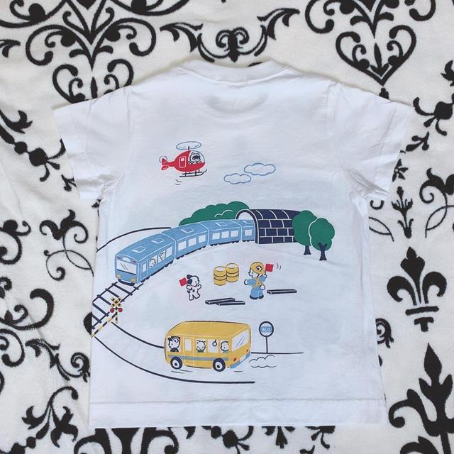 familiar(ファミリア)のファミリア100サイズおはなしTシャツ電車モチーフ キッズ/ベビー/マタニティのキッズ服男の子用(90cm~)(Tシャツ/カットソー)の商品写真