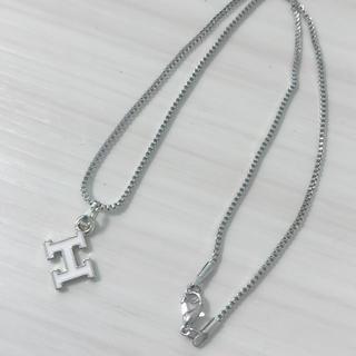 シンプル Hチャーム ネックレス(ネックレス)