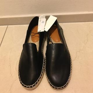 ギャップ(GAP)の靴 GAP (エスパドリーユ⚫︎スリッポン)ブラック【新品】(スリッポン/モカシン)
