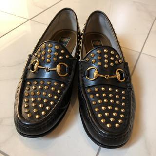 グッチ(Gucci)のgucci グッチ ホースビットローファー スタッズ 37 23.5cm(ローファー/革靴)