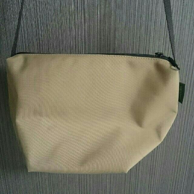 Herve Chapelier(エルベシャプリエ)のエルベシャプリエ 別注 ベージュ ビックポシェット レディースのバッグ(ショルダーバッグ)の商品写真