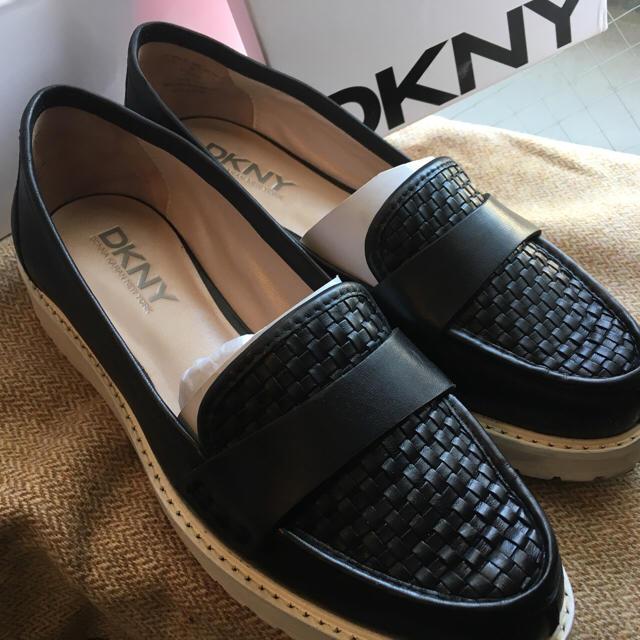 DKNY WOMEN(ダナキャランニューヨークウィメン)のDKNY スニーカー レディースの靴/シューズ(ローファー/革靴)の商品写真