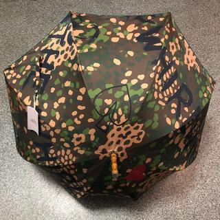 ヴィヴィアンウエストウッド(Vivienne Westwood)のカモフラ柄 一枚張り 長傘(傘)