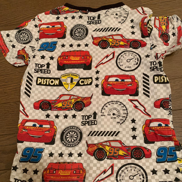 Disney(ディズニー)のカーズ Tシャツ(120センチ) キッズ/ベビー/マタニティのキッズ服男の子用(90cm~)(Tシャツ/カットソー)の商品写真