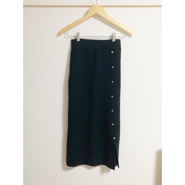 GU(ジーユー)のGU サイドボタンニットナロースカート ブラック M レディースのスカート(ひざ丈スカート)の商品写真