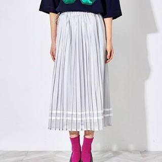 バーニーズニューヨーク(BARNEYS NEW YORK)のミュベール メッシュプリーツスカート(ひざ丈スカート)