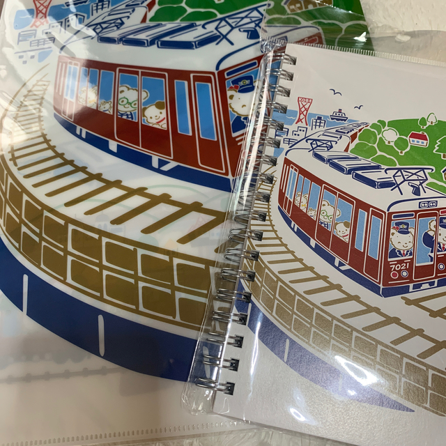 familiar(ファミリア)のファミリア 阪急 コラボ ノート ファイル エンタメ/ホビーのアニメグッズ(クリアファイル)の商品写真