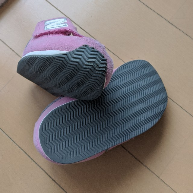 New Balance(ニューバランス)のさっちゃん様専用 ニューバランス 996 ベビー靴 ピンク キッズ/ベビー/マタニティのベビー靴/シューズ(~14cm)(スニーカー)の商品写真