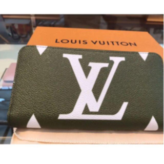 LOUIS VUITTON - ルイヴィトン長財布