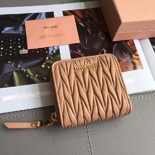 ミュウミュウ(miumiu)のMiumiu 折財布(財布)