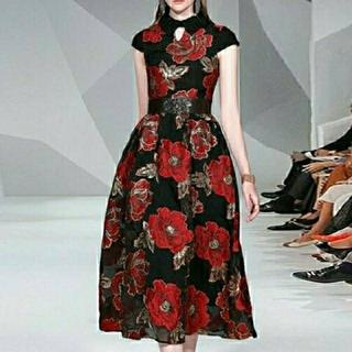 アリスアンドオリビア(Alice+Olivia)の赤い牡丹のドレス 【974】(ロングワンピース/マキシワンピース)
