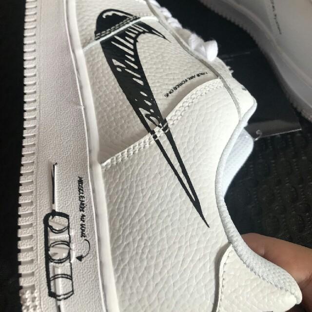 NIKE(ナイキ)のナイキ エアフォース1 ブラックスケッチ ホワイトNIKE メンズの靴/シューズ(スニーカー)の商品写真