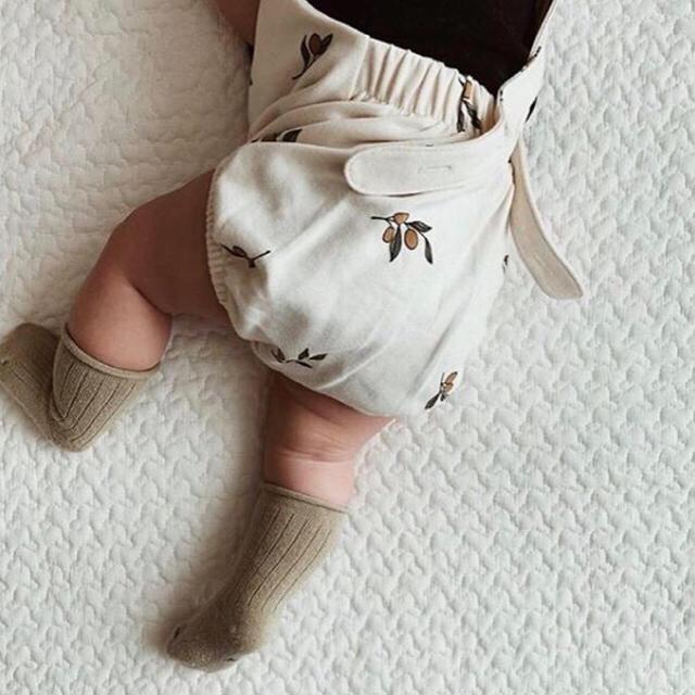ロンパース 新品 ボンネット付き 80サイズ キッズ/ベビー/マタニティのベビー服(~85cm)(ロンパース)の商品写真