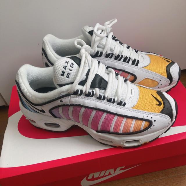 NIKE(ナイキ)のNIKE エアマックス テイルウインド レディースの靴/シューズ(スニーカー)の商品写真