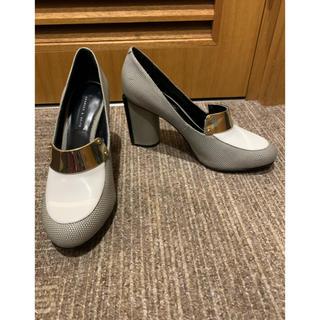 チャールズアンドキース(Charles and Keith)のチャールズアンドキースのヒールローファー美品(ローファー/革靴)
