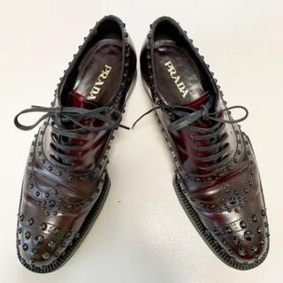 プラダ(PRADA)のPRADA プラダ スタッズ レースアップシューズ(ローファー/革靴)