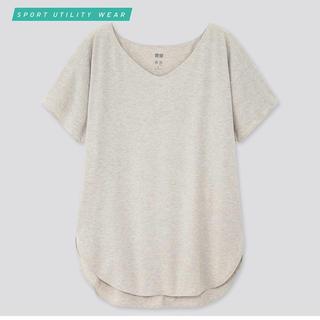 ユニクロ(UNIQLO)のユニクロ エアリズムシームレスVネックロングTシャツ(ヨガ)