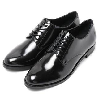 ケービーエフ(KBF)のマニッシュシューズ(ローファー/革靴)