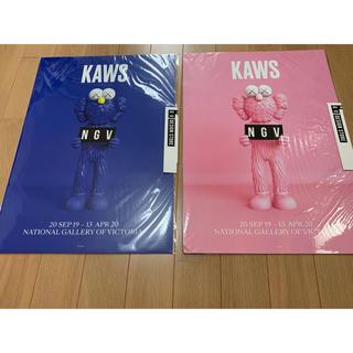 メディコムトイ(MEDICOM TOY)の絶版 KAWS ポスター NGV BFF BLUE PINK ブルー ピンク (ポスター)