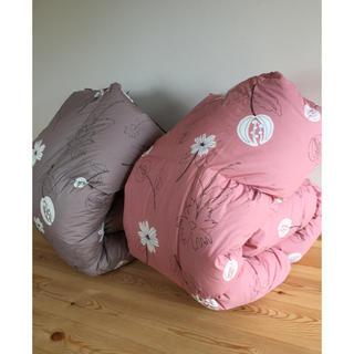 シビラ(Sybilla)の2枚セット【シビラ】羽毛布団(150×210)(リブレ)ピンク グレー各1枚(布団)