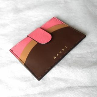 マルニ(Marni)の【かなで様専用】【新品】マルニ カードケース♡(名刺入れ/定期入れ)