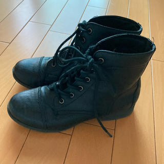 フォーエバートゥエンティーワン(FOREVER 21)のフォエバー21 黒紐ブーツ(ブーツ)