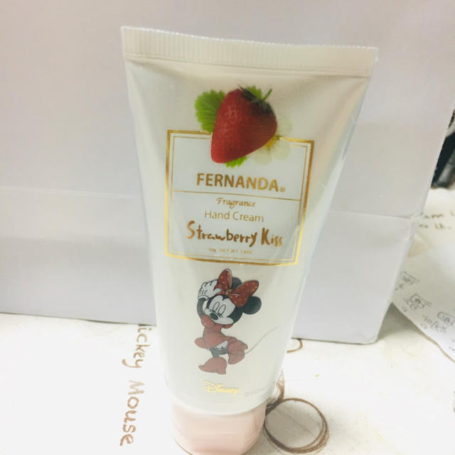 FERNANDA(フェルナンダ)のフェルナンダ フレグランスハンドクリーム ストロベリーキス ミニー コスメ/美容のボディケア(ハンドクリーム)の商品写真