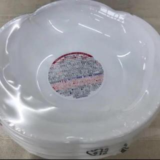 ヤマザキセイパン(山崎製パン)の白いフラワーボウル(食器)