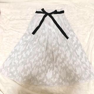 ルカ(LUCA)の再々値下げ❗️ルカ レディラックルカ リボン付スカート(ひざ丈スカート)