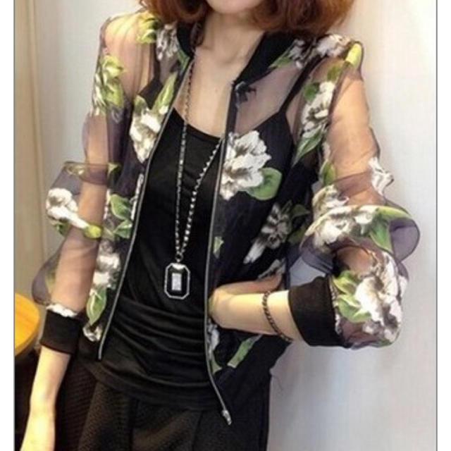 シースルー ブルゾン カーディガン ジャケット 白黒 薔薇 バラ 黒 白 上着  レディースのトップス(シャツ/ブラウス(長袖/七分))の商品写真