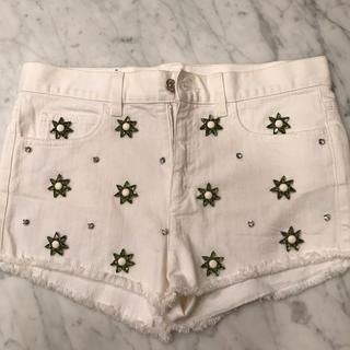 グッチ(Gucci)の【美品】GUCCI 花柄 ショートパンツ(ショートパンツ)
