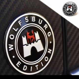 フォルクスワーゲン(Volkswagen)のWOLFSBURG ステッカーです。52mm(車外アクセサリ)