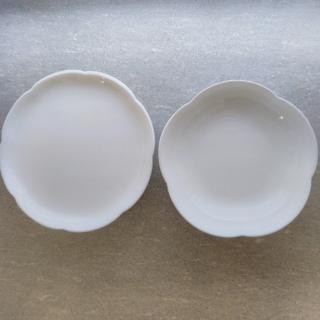 ヤマザキセイパン(山崎製パン)のヤマザキ 春のパンまつり 白いフラワーボウル 白いフローラルディッシュ 8枚セッ(食器)