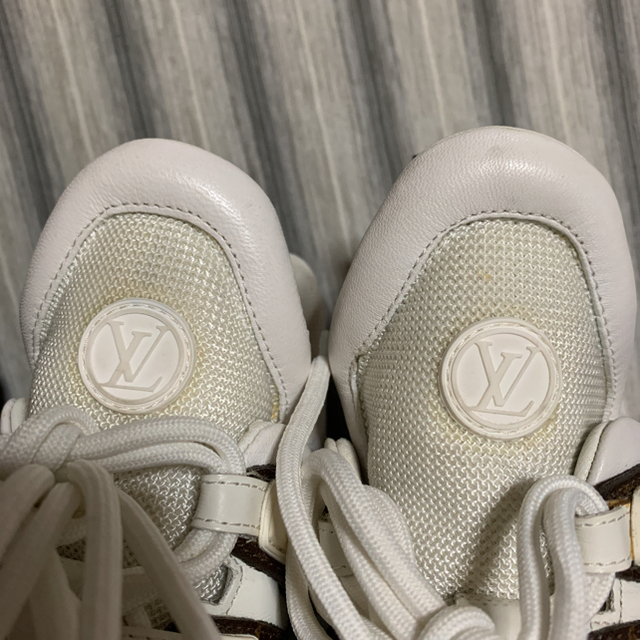 LOUIS VUITTON(ルイヴィトン)の正規ヴィトン  アークライト・ラインスニーカー 付属品完備 レディースの靴/シューズ(スニーカー)の商品写真
