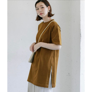 アーバンリサーチロッソ(URBAN RESEARCH ROSSO)のサイドスリットチュニックシャツ(Tシャツ(半袖/袖なし))