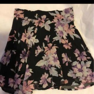 ダチュラ(DaTuRa)の在庫処分美品ダチュラフレア花柄スカート(ミニスカート)